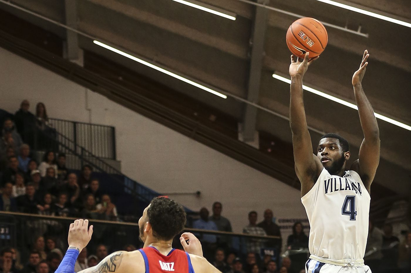 Villanova recovers from early deficits, defeats DePaul, 73-68