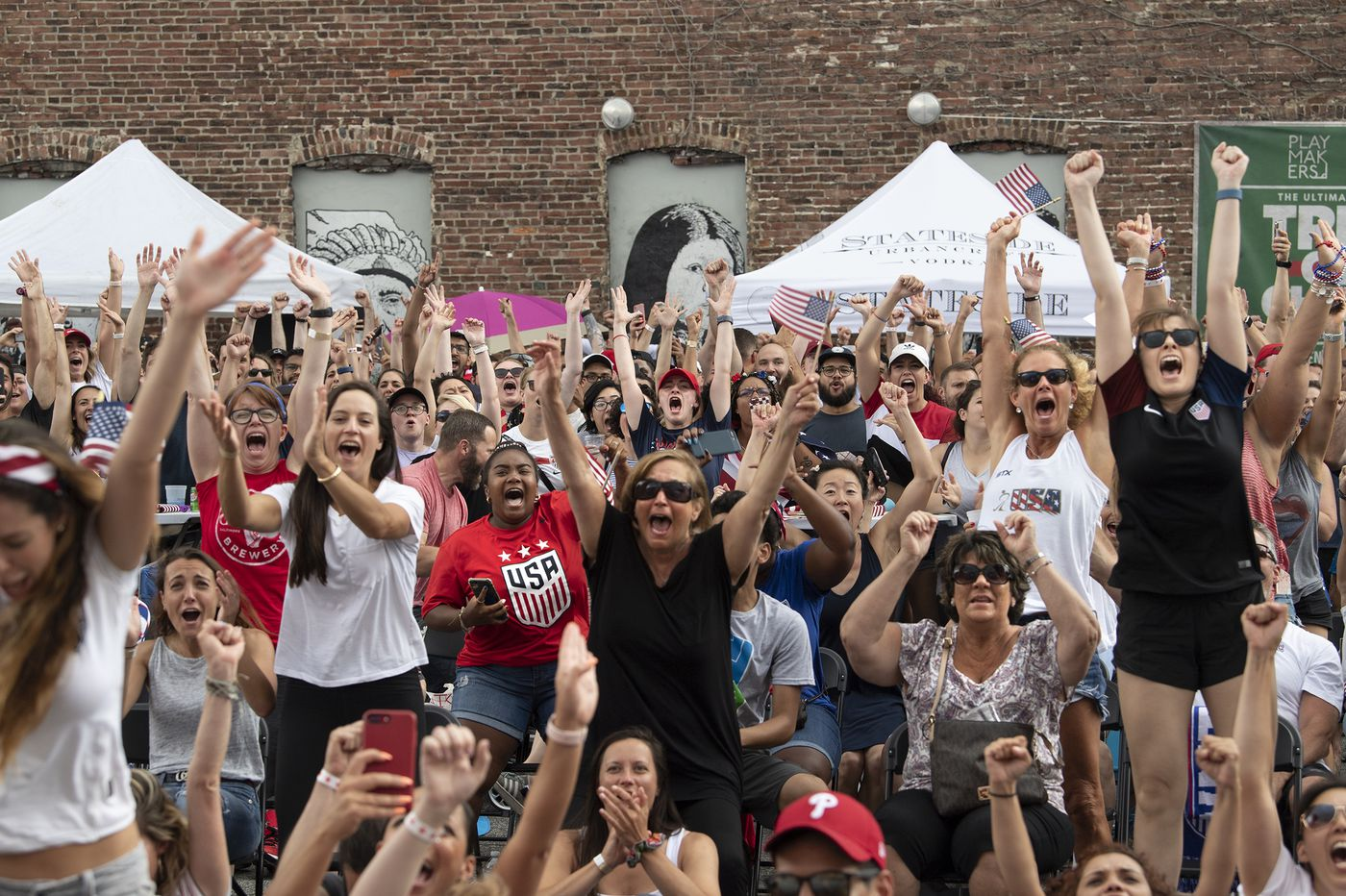 In Philly, fans watch U.S. women cruise to World Cup soccer championship