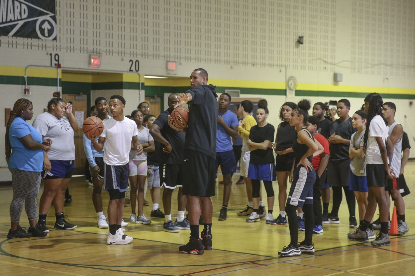 Sixers' Al Horford surprises students with basketball clinic at Thomas Edison High