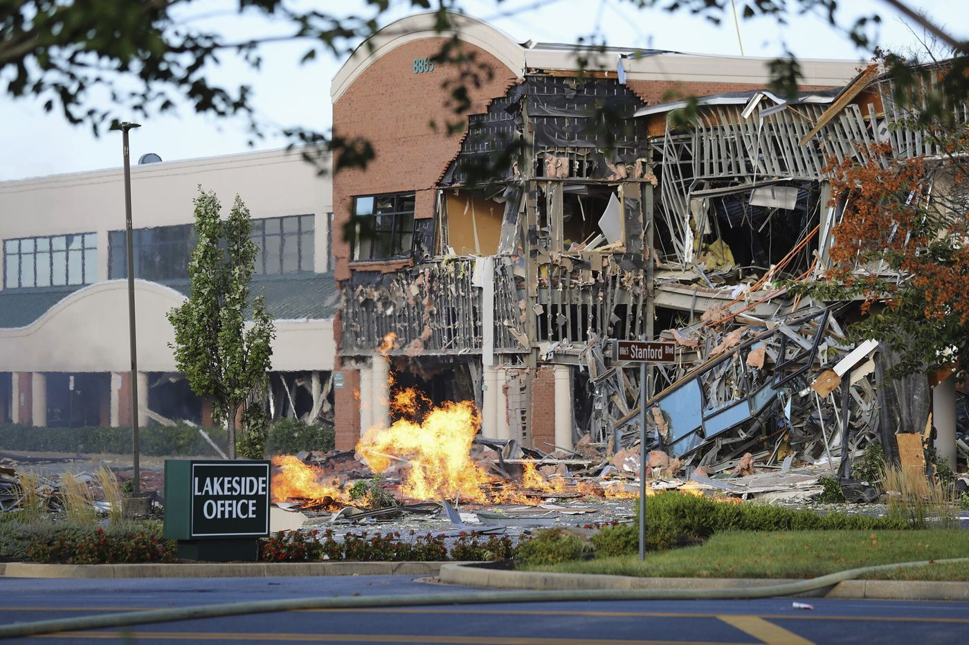Gas explosion in Maryland badly damages shopping center