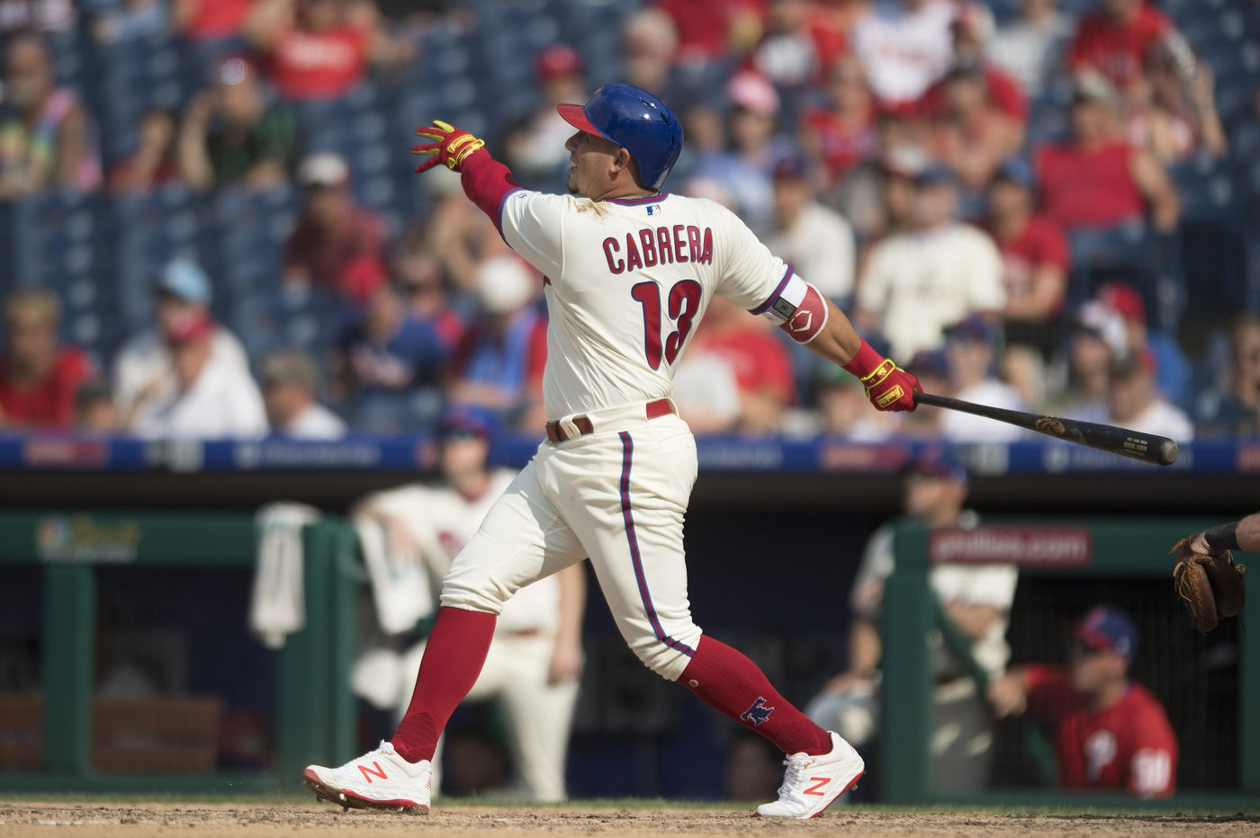 Asdrubal Cabrera lifts Phillies to fifth straight win with late homer