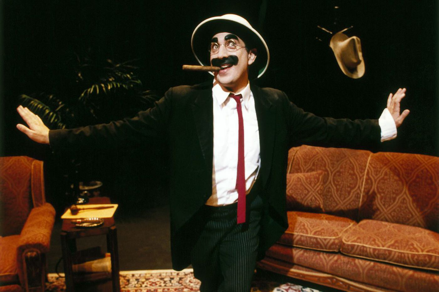 Frank Ferrante in 'Groucho': A loving look at a comic hero (and crowd-worker)
