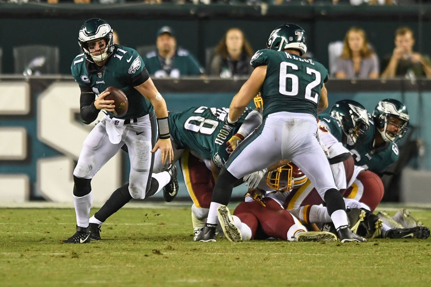 Carson Wentz dazzled in his last Monday night game with his arm and his feet. Can he do it again?