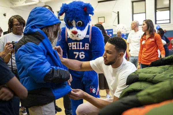 Sixers guard Ben Simmons hosts second annual 'Coats for Kids'