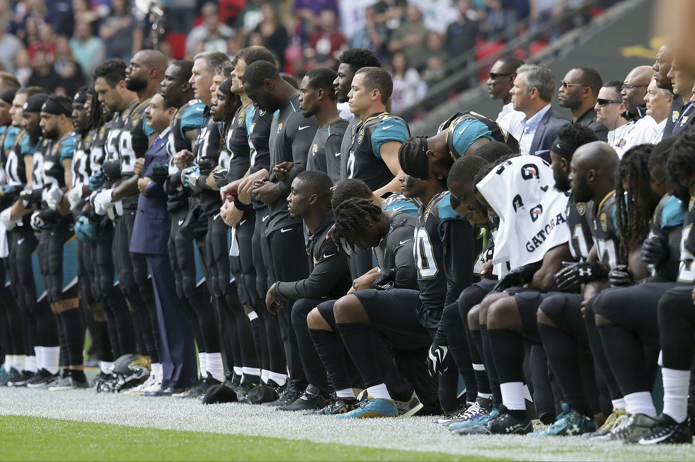 Kneeling NFL players will help Republicans in November | Opinion