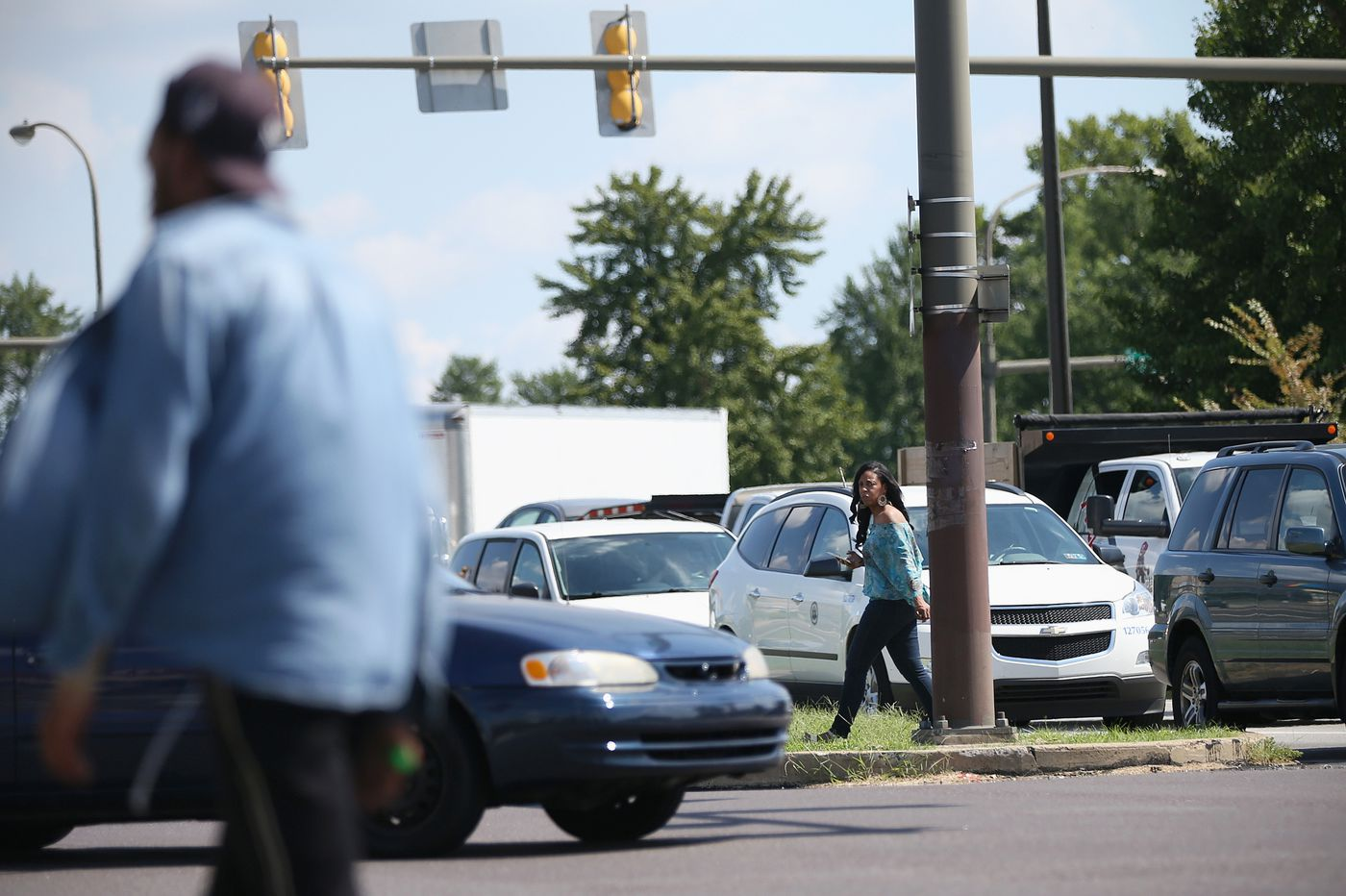 Traffic deaths on Roosevelt Blvd. spiked in 2018. A safety fix may not be in place until fall.