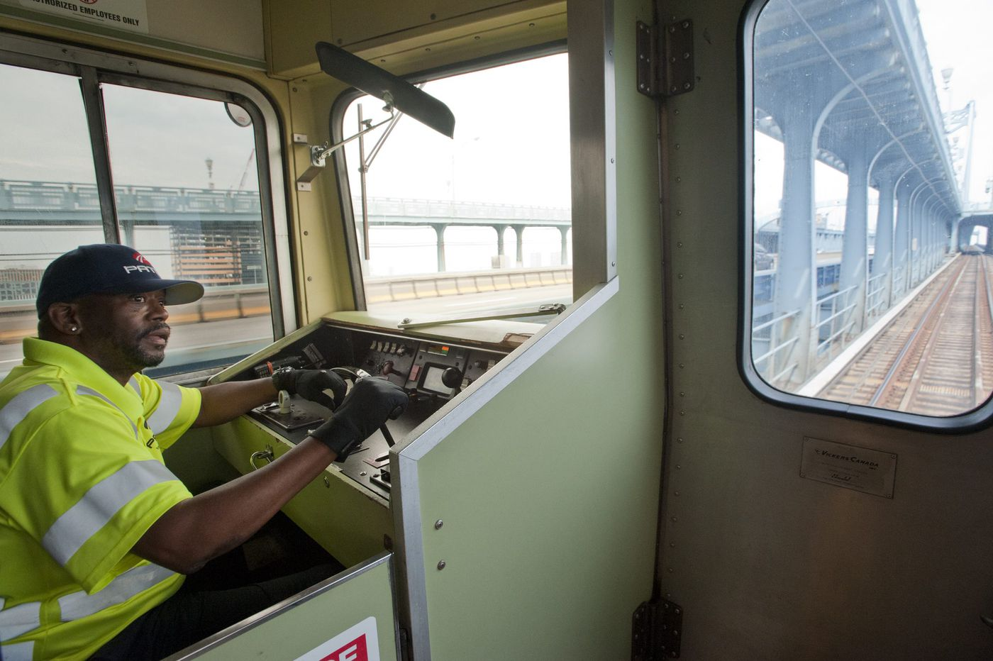 Throwback: The last four PATCO 'legacy' trains make final run