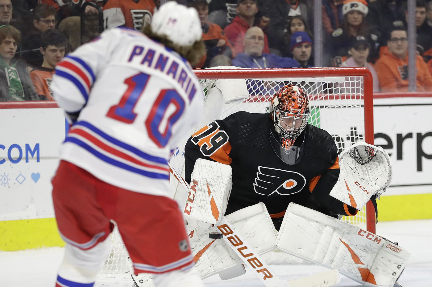 Kevin Hayes, Travis Sanheim help Flyers whip Rangers, 5-1, for 4th straight win
