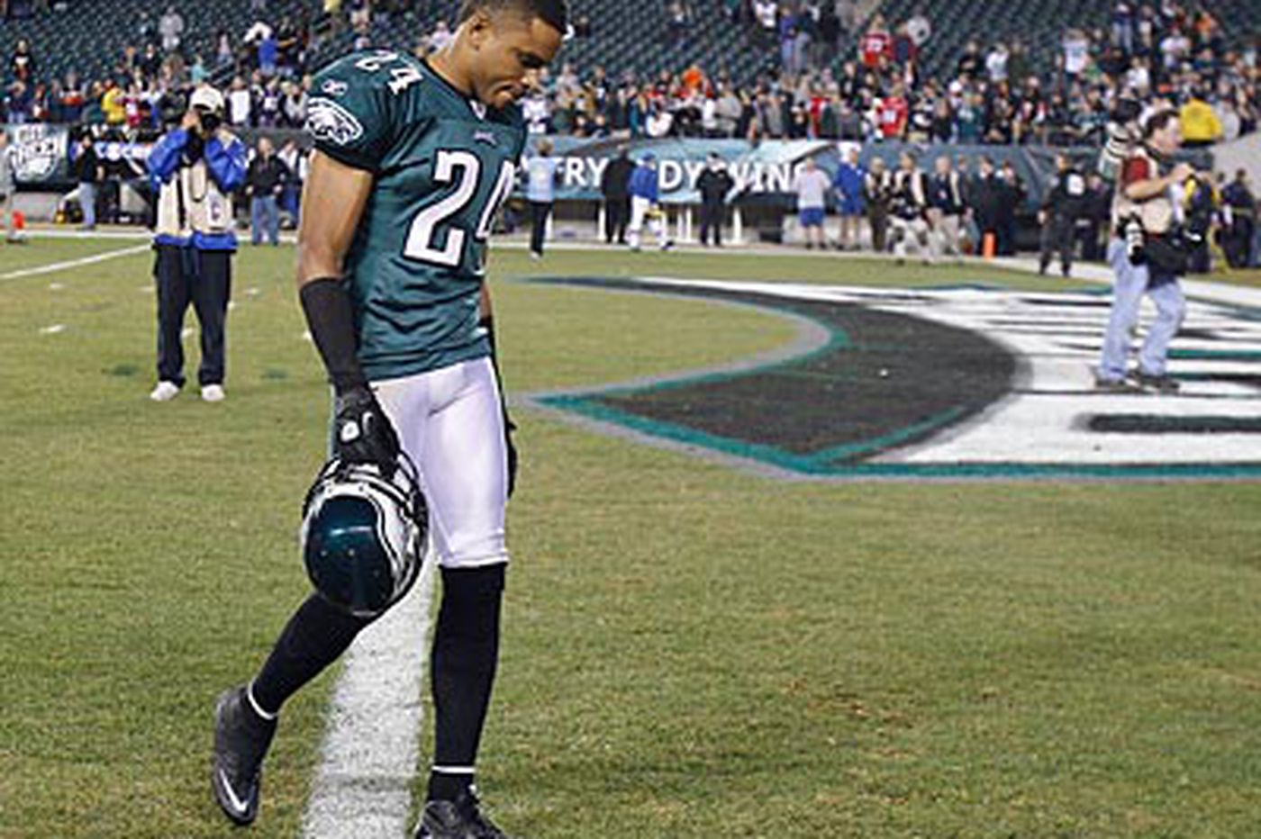 Could voodoo, curses, or karma explain Eagles' puzzling home record?