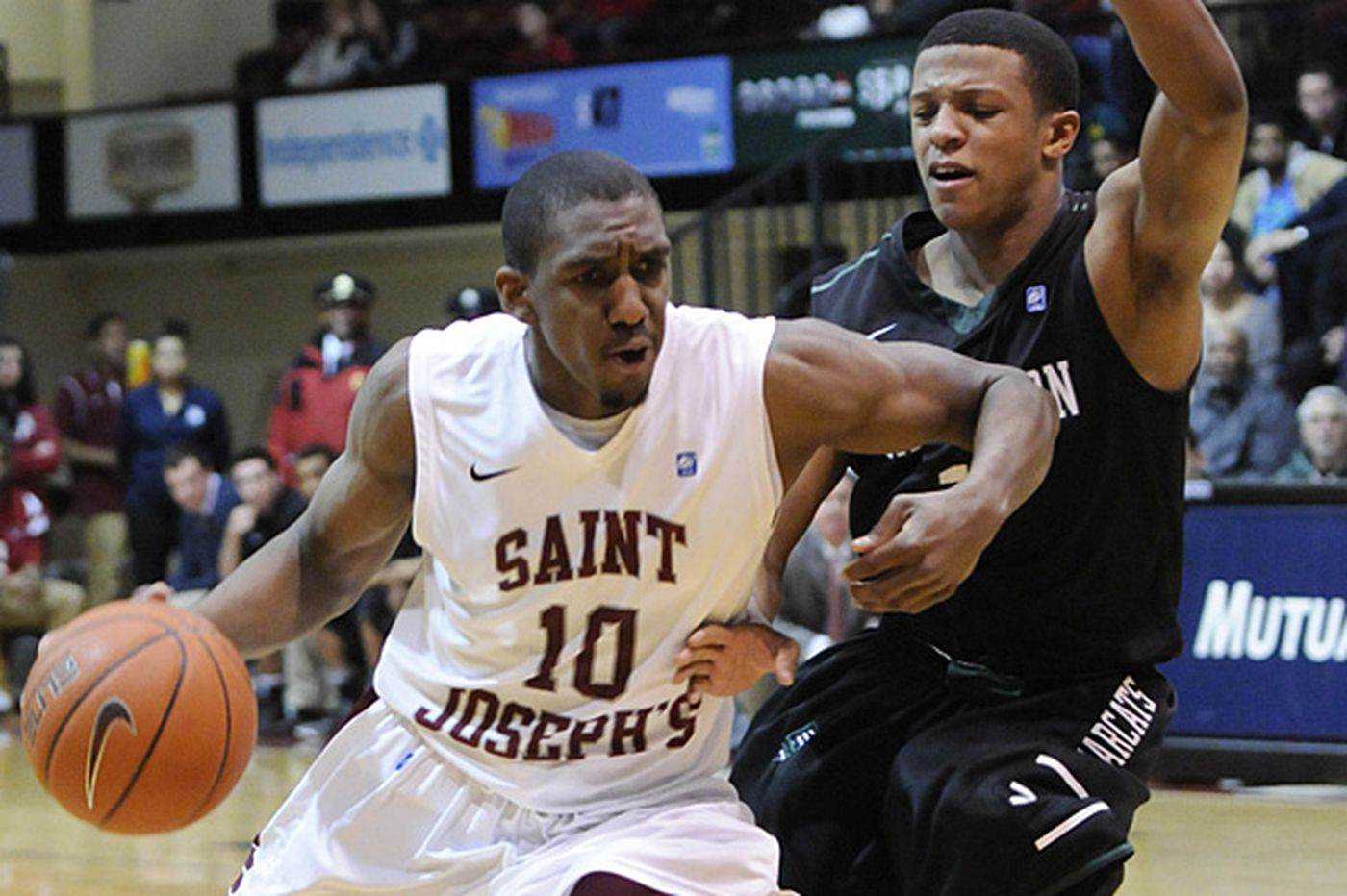 St. Joe's blasts Binghamton for 4th straight win