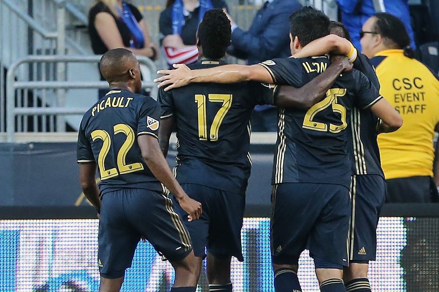 Ilsinho sparks Union to dominant 3-1 victory over FC Dallas