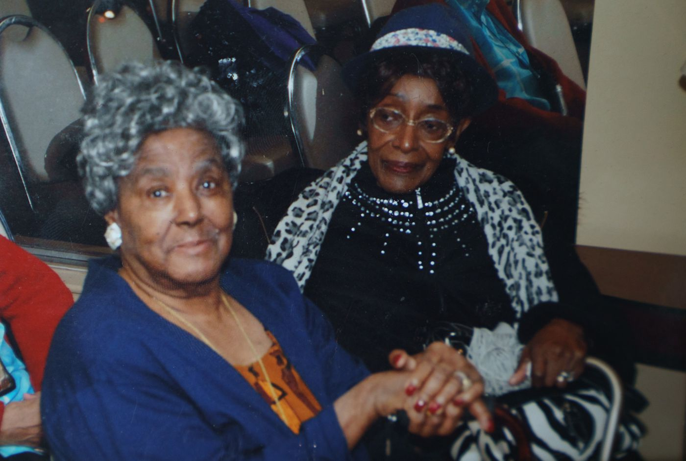 Dorothy Beam (left) and Margaret Davis, Dorothy's younger sister.