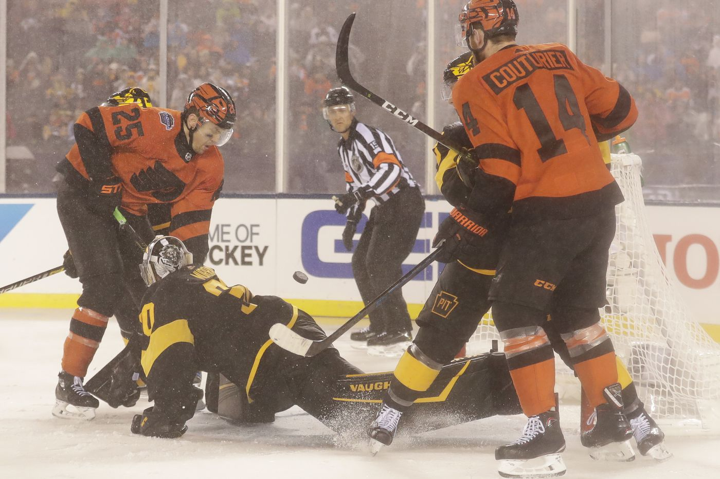 Goaltending, defense let down Flyers at worst time; face Penguins on Sunday night