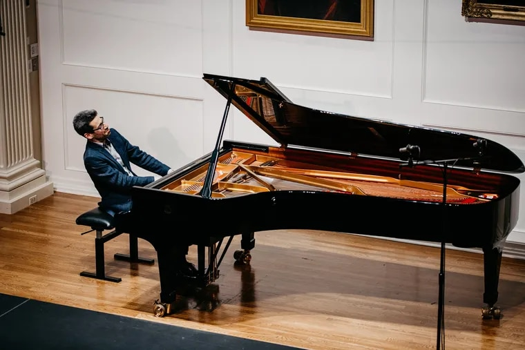 Jonathan Biss in a Philadelphia Chamber Music Society performance at the American Philosophical Society.