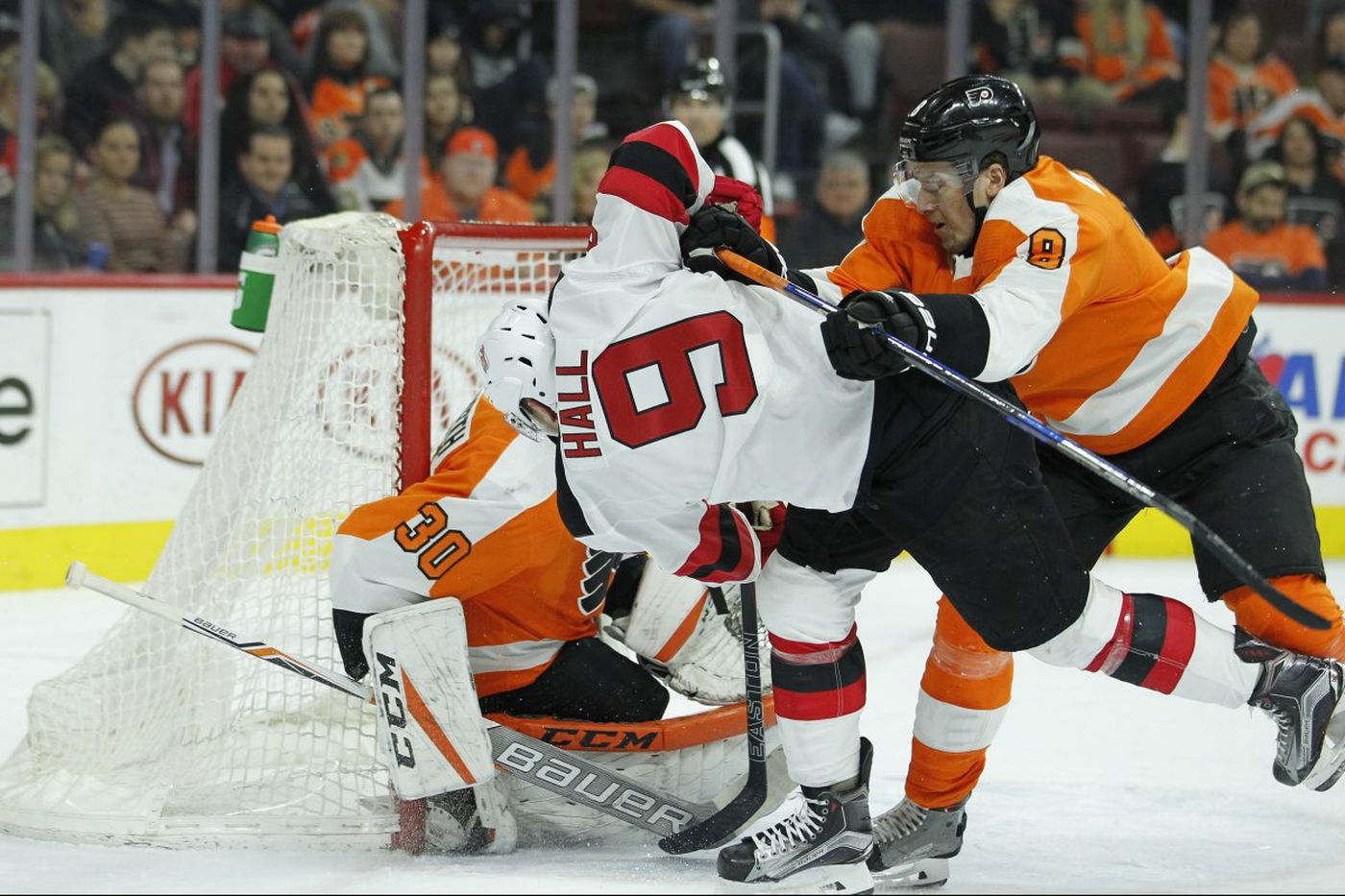 Flyers let one slip in shootout loss to Devils
