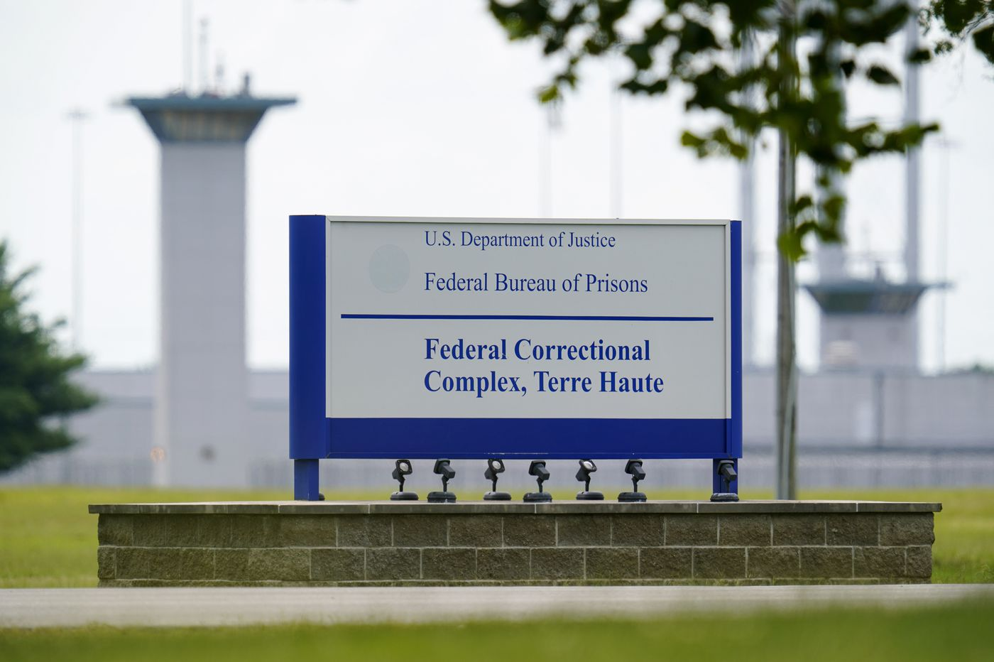 Biden to work to end executions as government sets three more