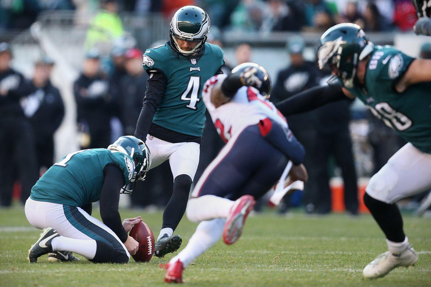 Jake Elliott's clutch kicking helping Eagles keep season alive