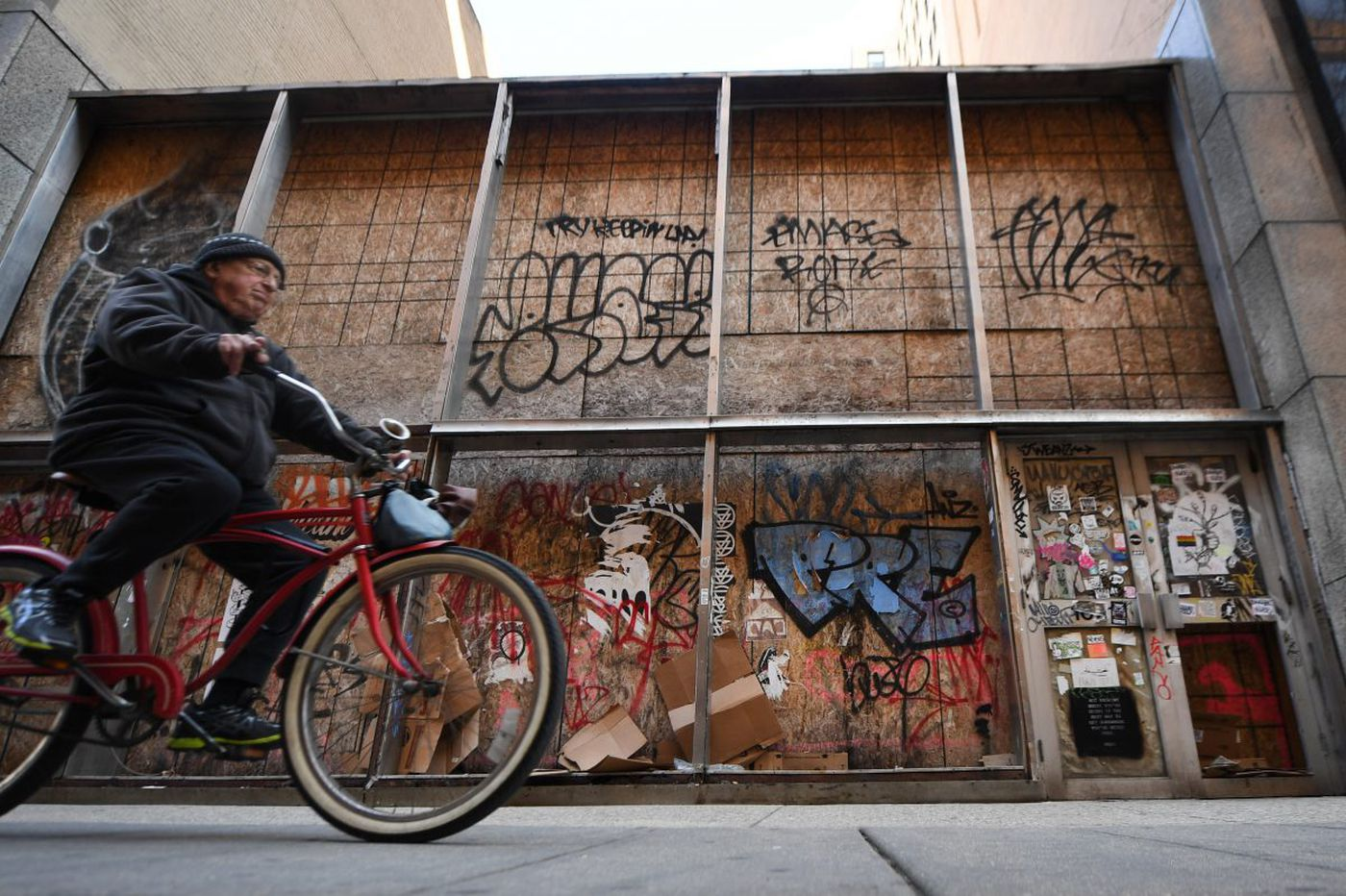 How did a modernist landmark end up covered in plywood and graffiti?