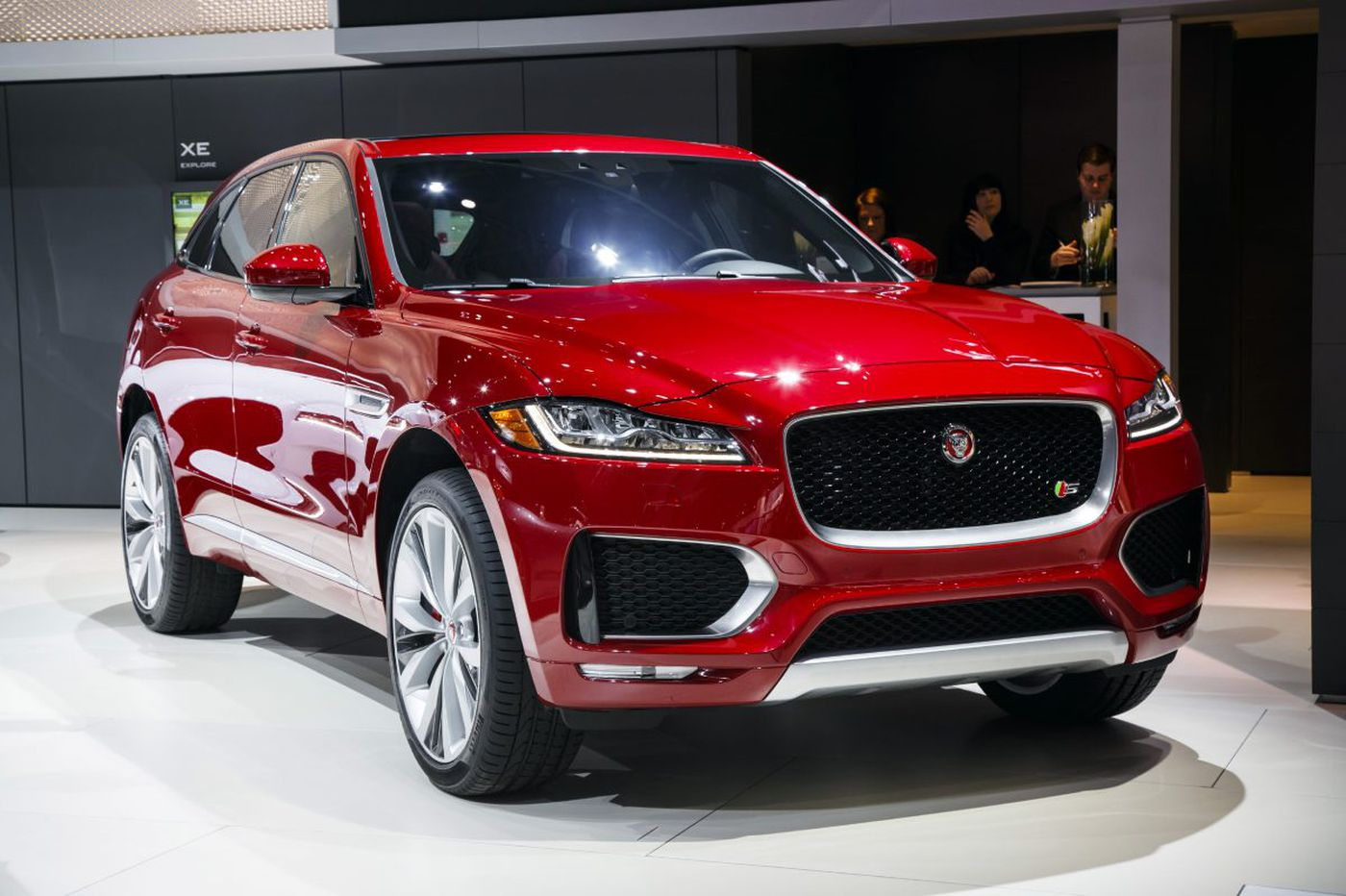 Jaguar F Pace puts some teeth in the crossover