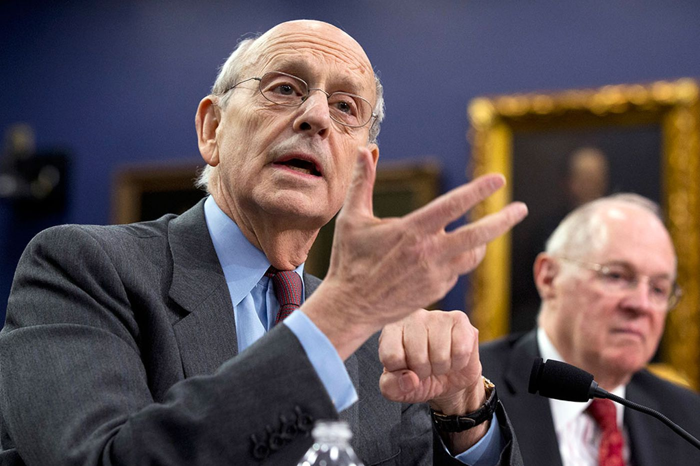 Justice Breyer, in new book, says U.S. courts must consider foreign laws