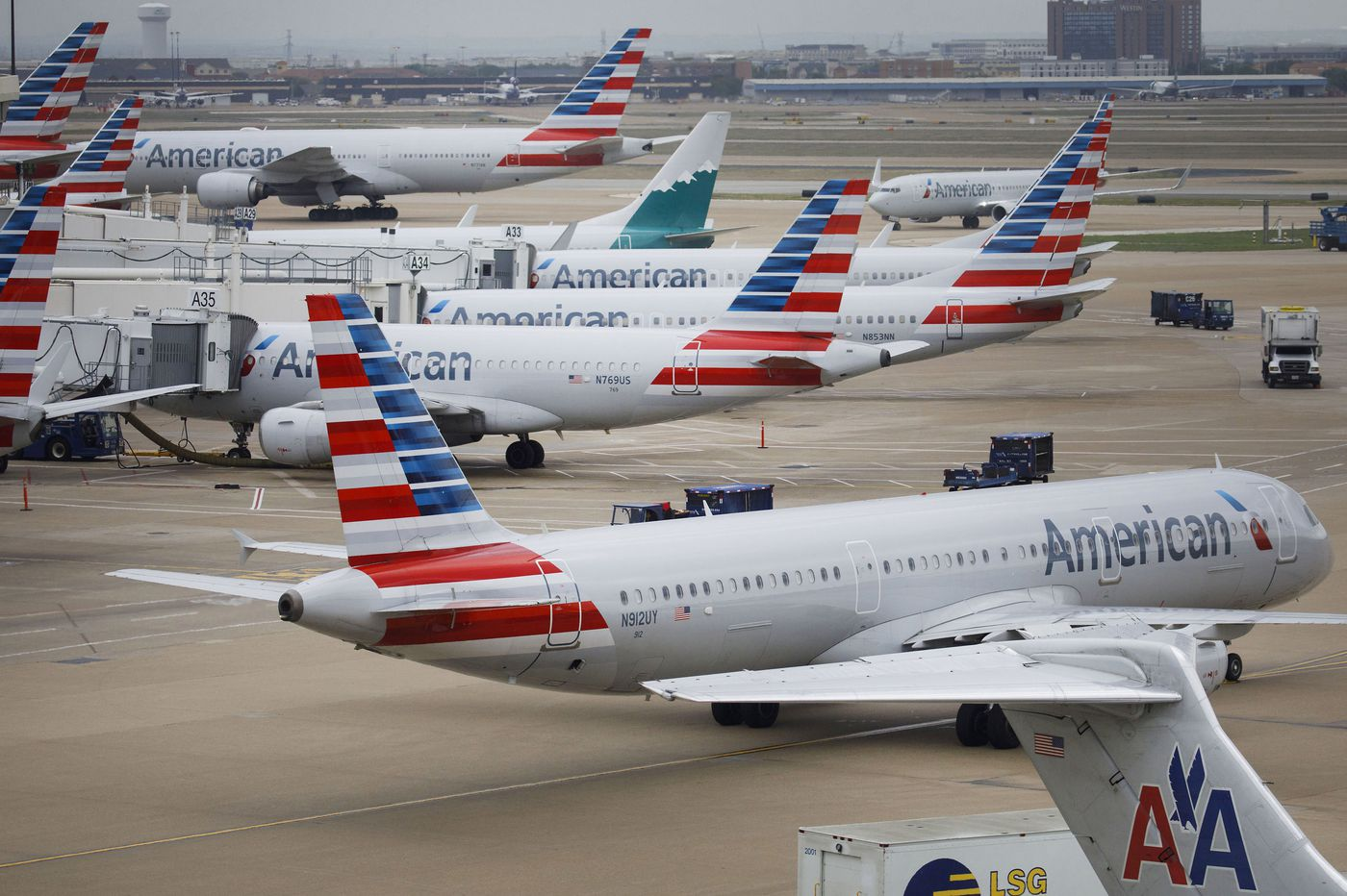 American Airlines suspends flights to Venezuela