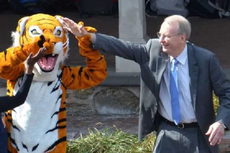 Richard L. Wade with the Germantown Friends School mascot, a tiger.