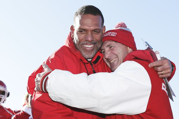 Paulsboro coach Glenn Howard earns 300th win by beating Gateway, 28-8