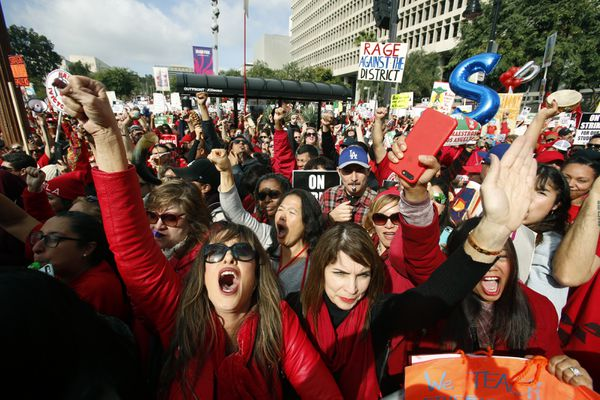 Teachers union: Los Angeles strike to go into 6th school day