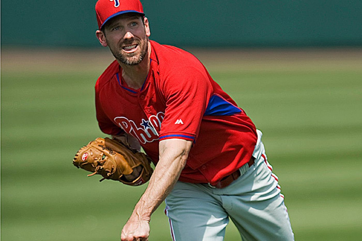 Cliff Lee fighting time and losing