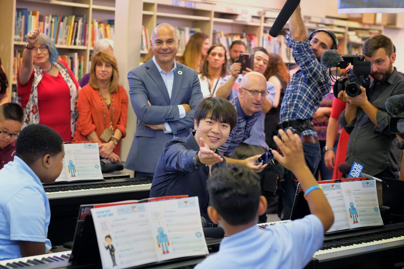 Pianist Lang Lang gives nearly $1M for piano education in Philly