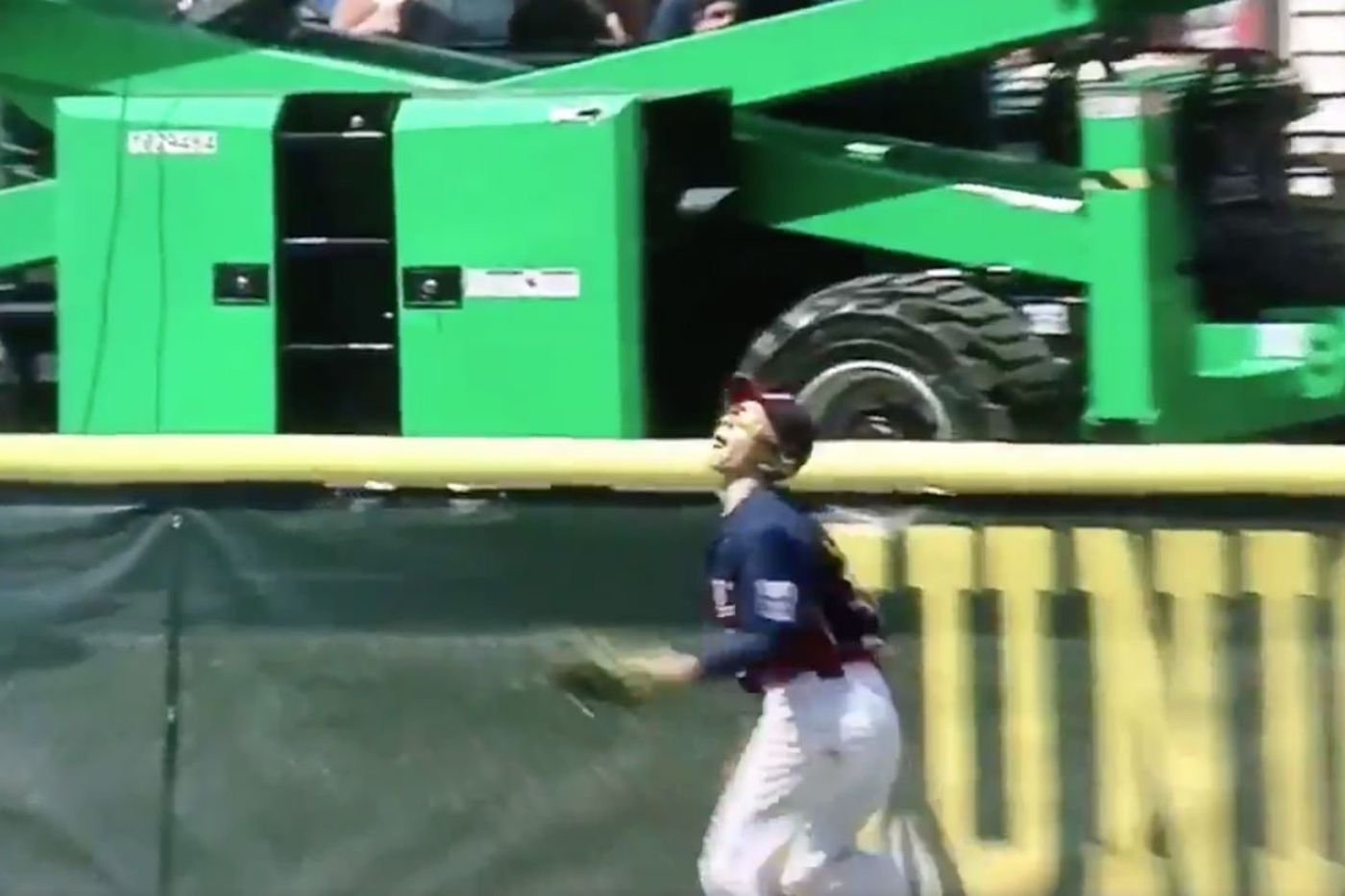Watch: Philly-area kid makes crazy catch during Junior League World Series