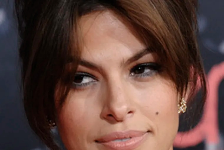 """Actress Eva Mendes, costar of """"The Spirit,"""" openly covets Kate Winslet's film roles."""
