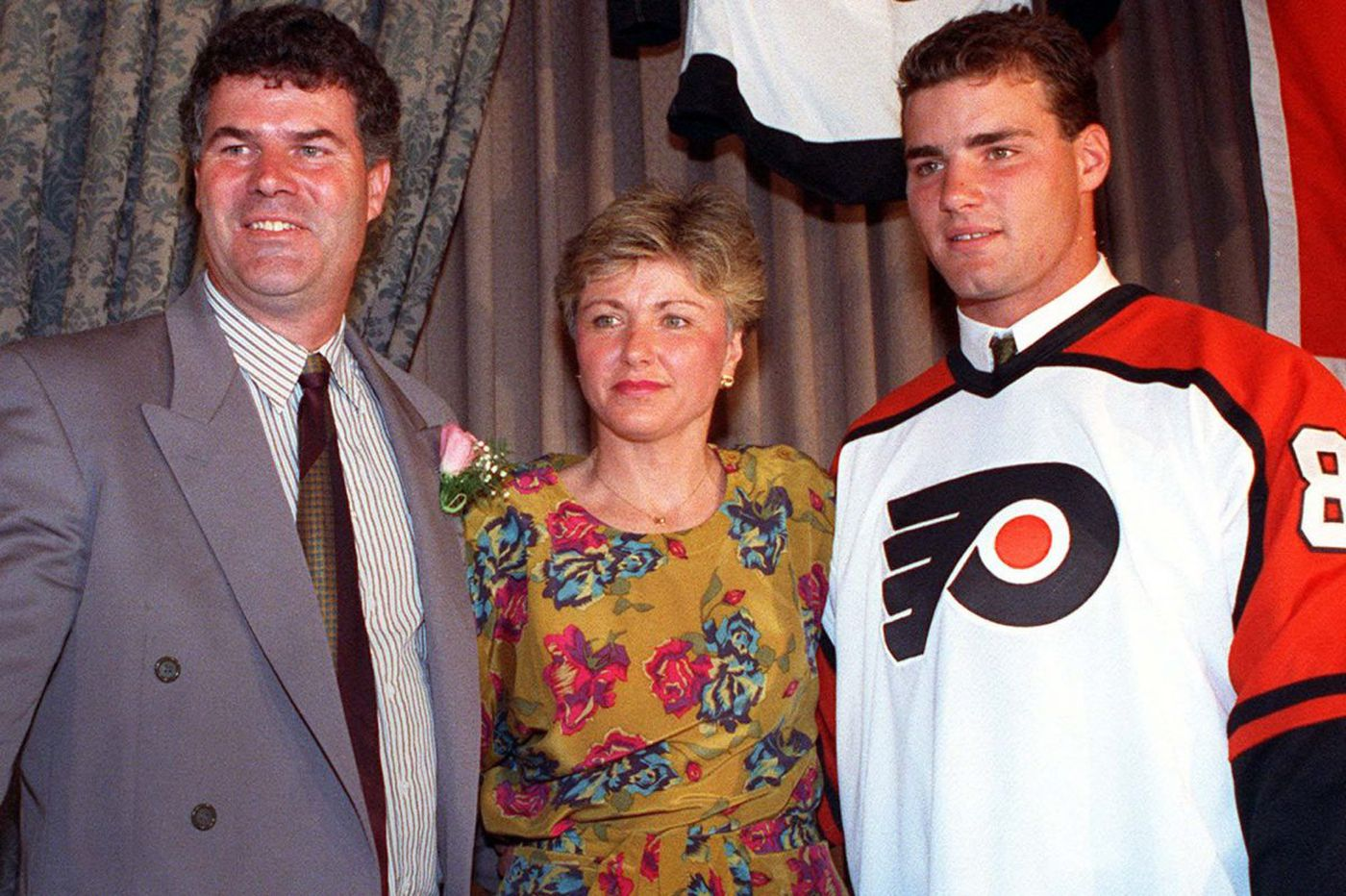 Should the Flyers have traded for Eric Lindros? Their ex-GM isn't sure | Mike Sielski