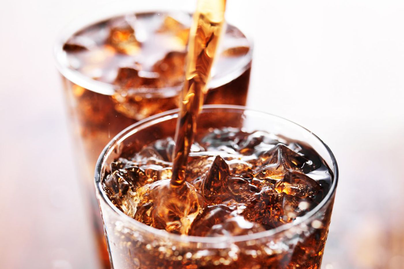 This cardiologist wants his family to cut back on diet soda. Should yours, too?