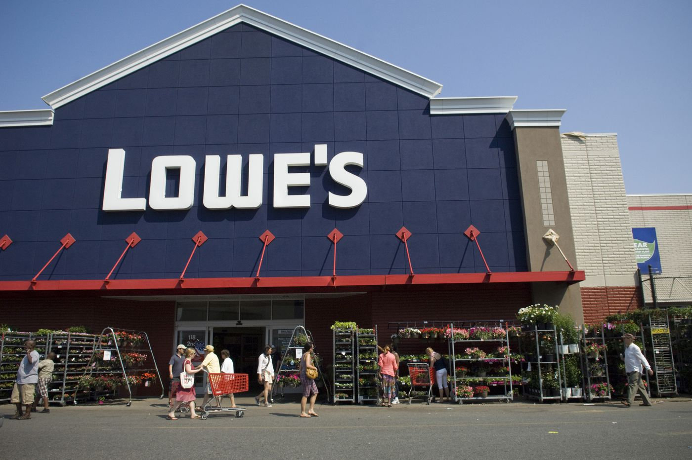 Lowe's suspends annoying receipt-checking policy after West