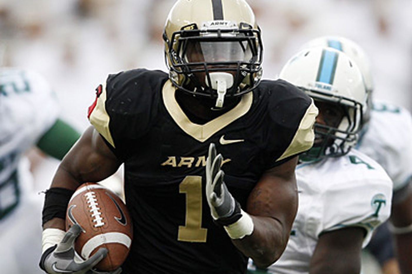 West Catholic grads on opposite sides of Army-Navy game