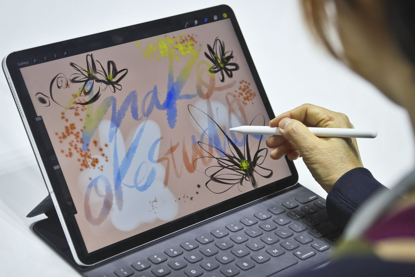 Apple redesigns the iPad Pro, breathes new life in the MacBook Air