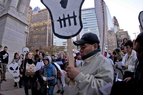 Pro-immigrant protest hits Philadelphia City Hall