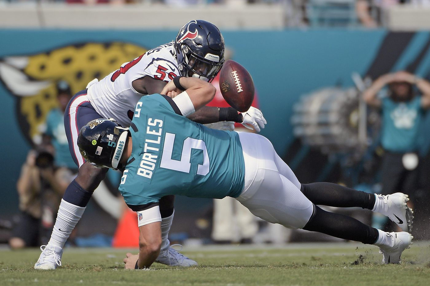 NFL Week 7 in review: Jaguars are in worse shape than the Eagles heading into matchup in London