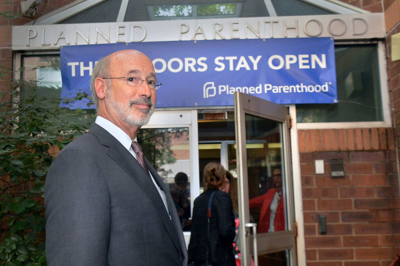 Gov. Wolf visits Philly's Planned Parenthood to offer support