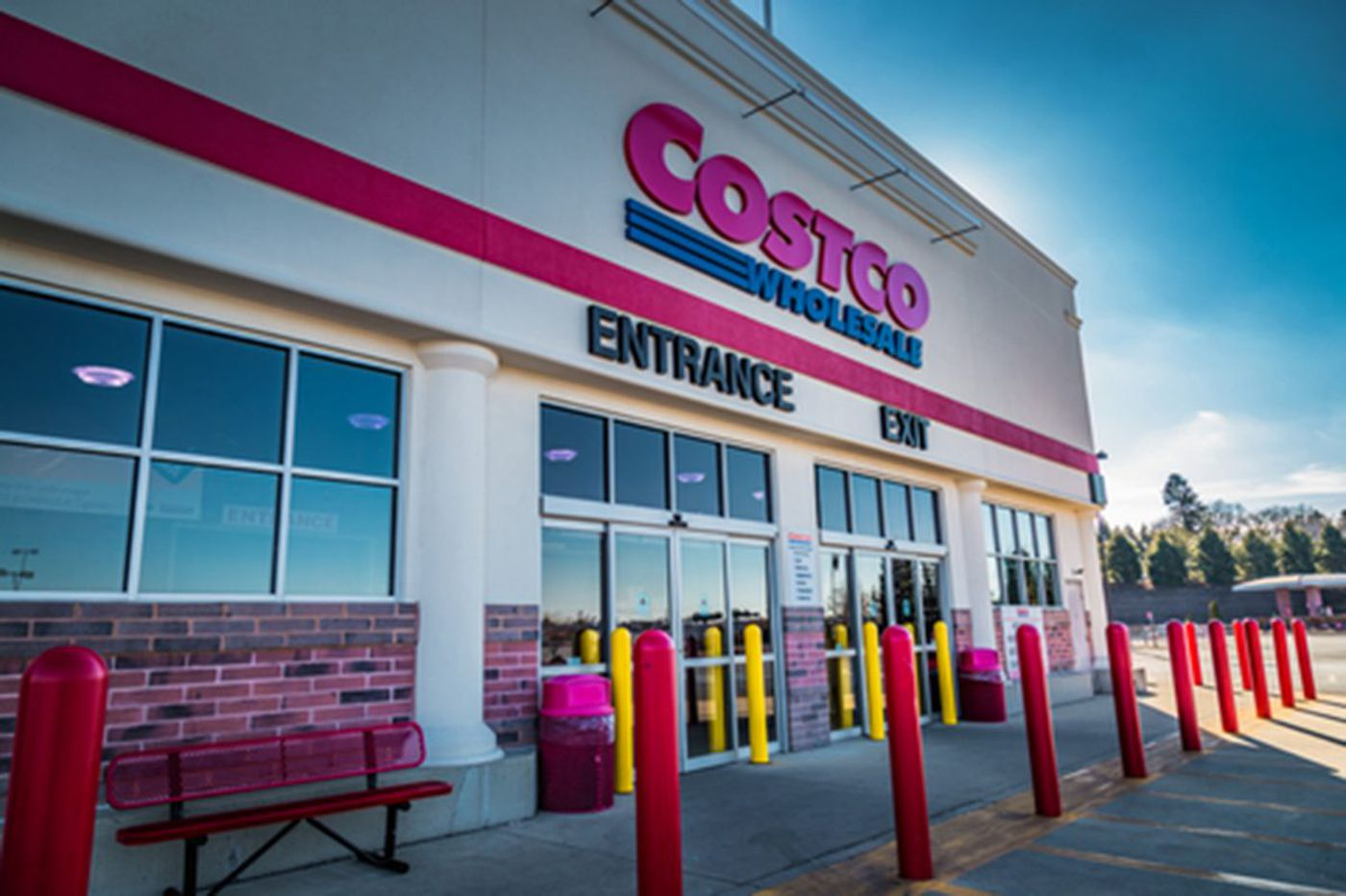 Booming Costco courts millennials with online and delivery, but stores still rule