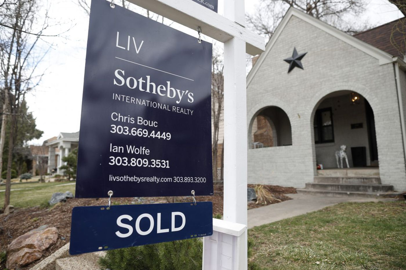 How certain words in your real estate listing can up the sale price
