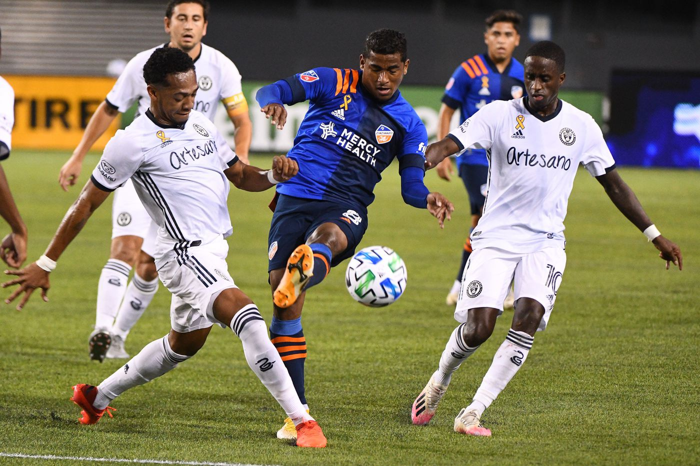 Union play ugly scoreless tie with FC Cincinnati, and lose Alejandro Bedoya to yellow card suspension