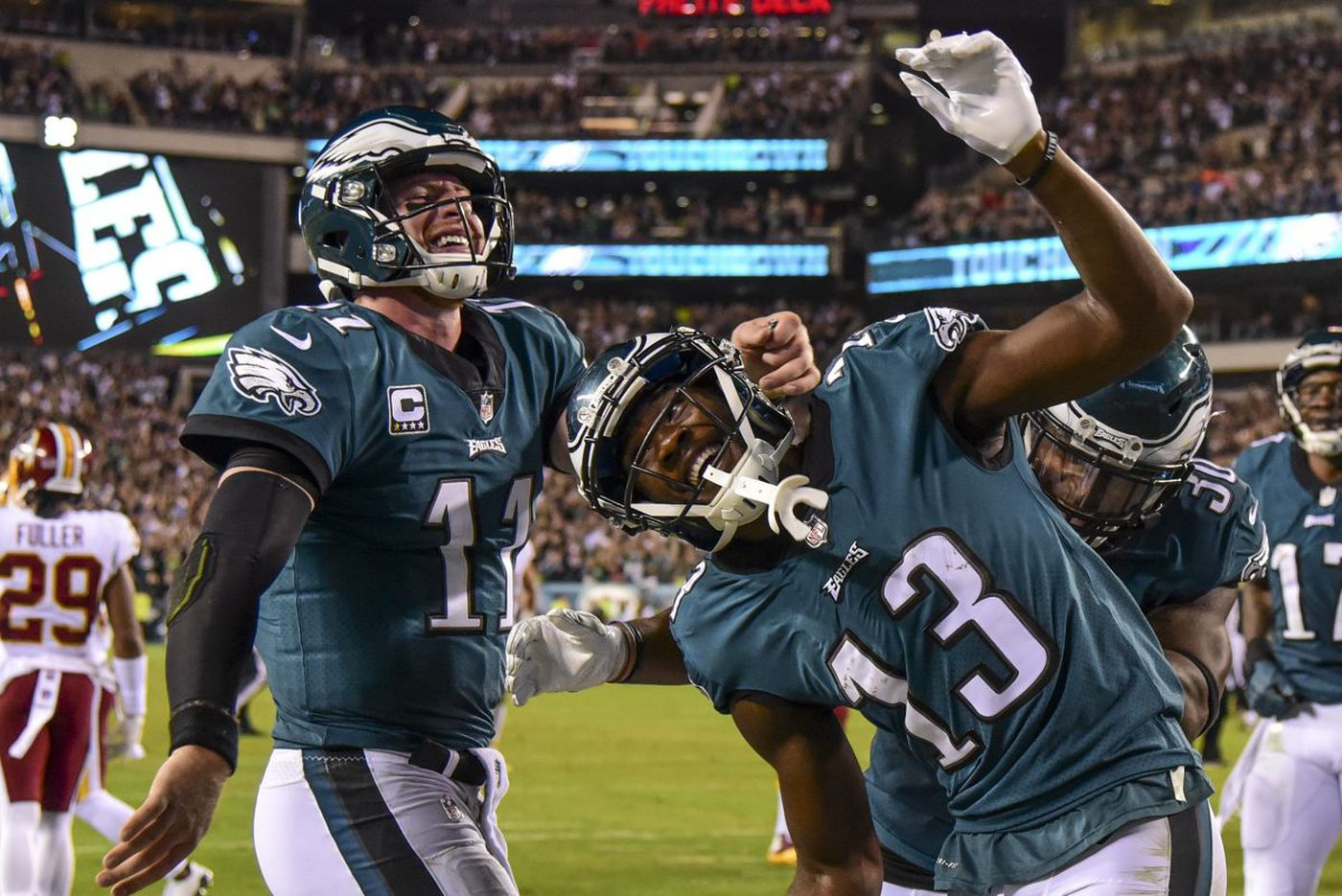 Eagles 34, Redskins 24: Carson Wentz's touchdowns lead way to NFL's best record