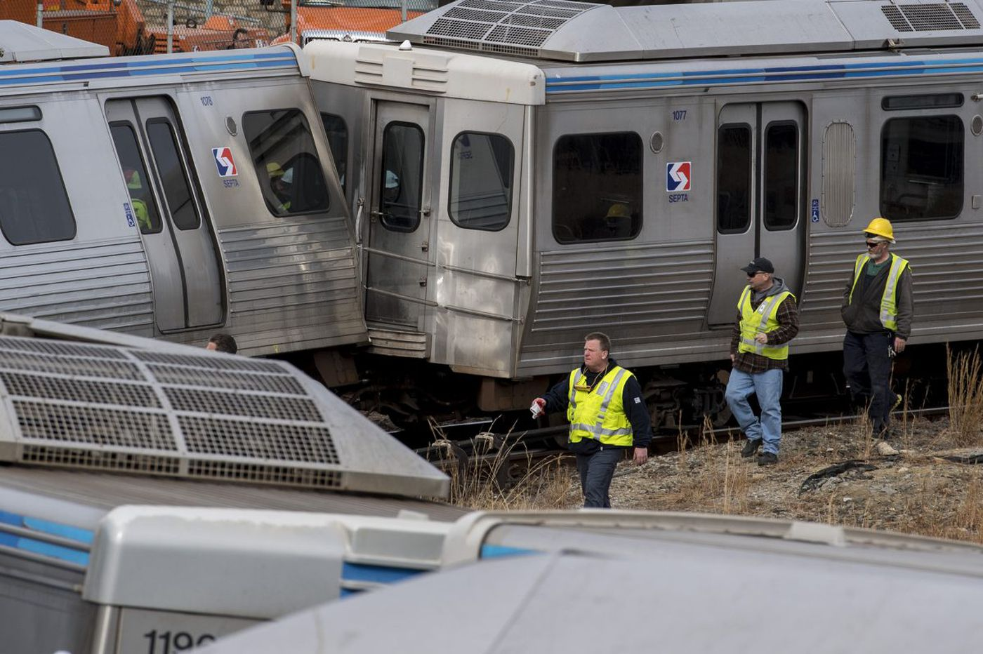 SEPTA should install cameras to monitor train operators, federal agency says