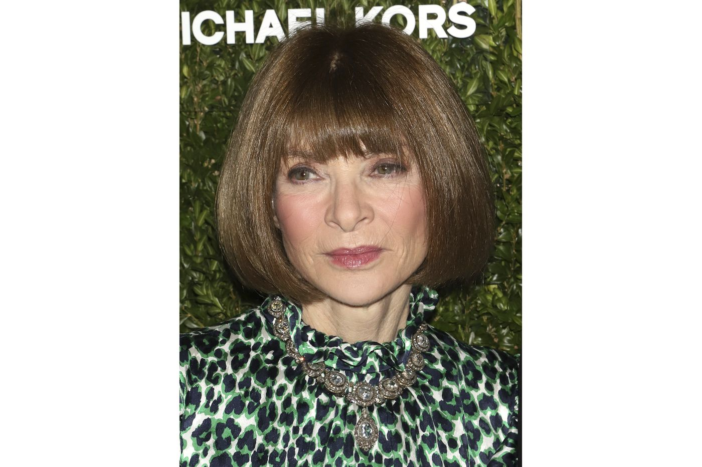 Anna Wintour apologizes for race-related 'mistakes' at Vogue