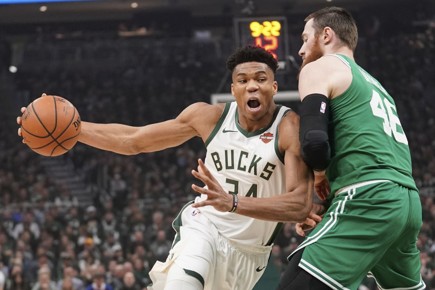 Sports betting: Vegas Vic is freaking out over the Milwaukee Bucks