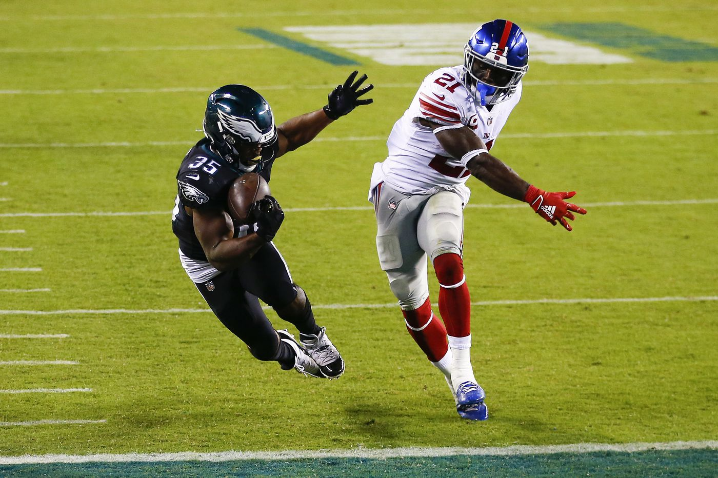 Eagles-Giants Up-Down Drill: Boston Scott to the rescue