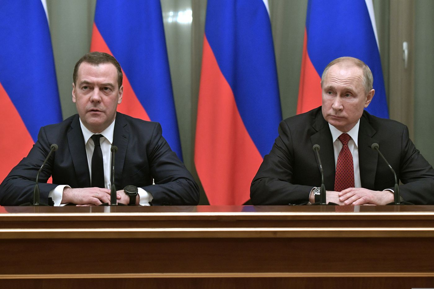Russian prime minister resigns amid government shake-up under Putin's direction