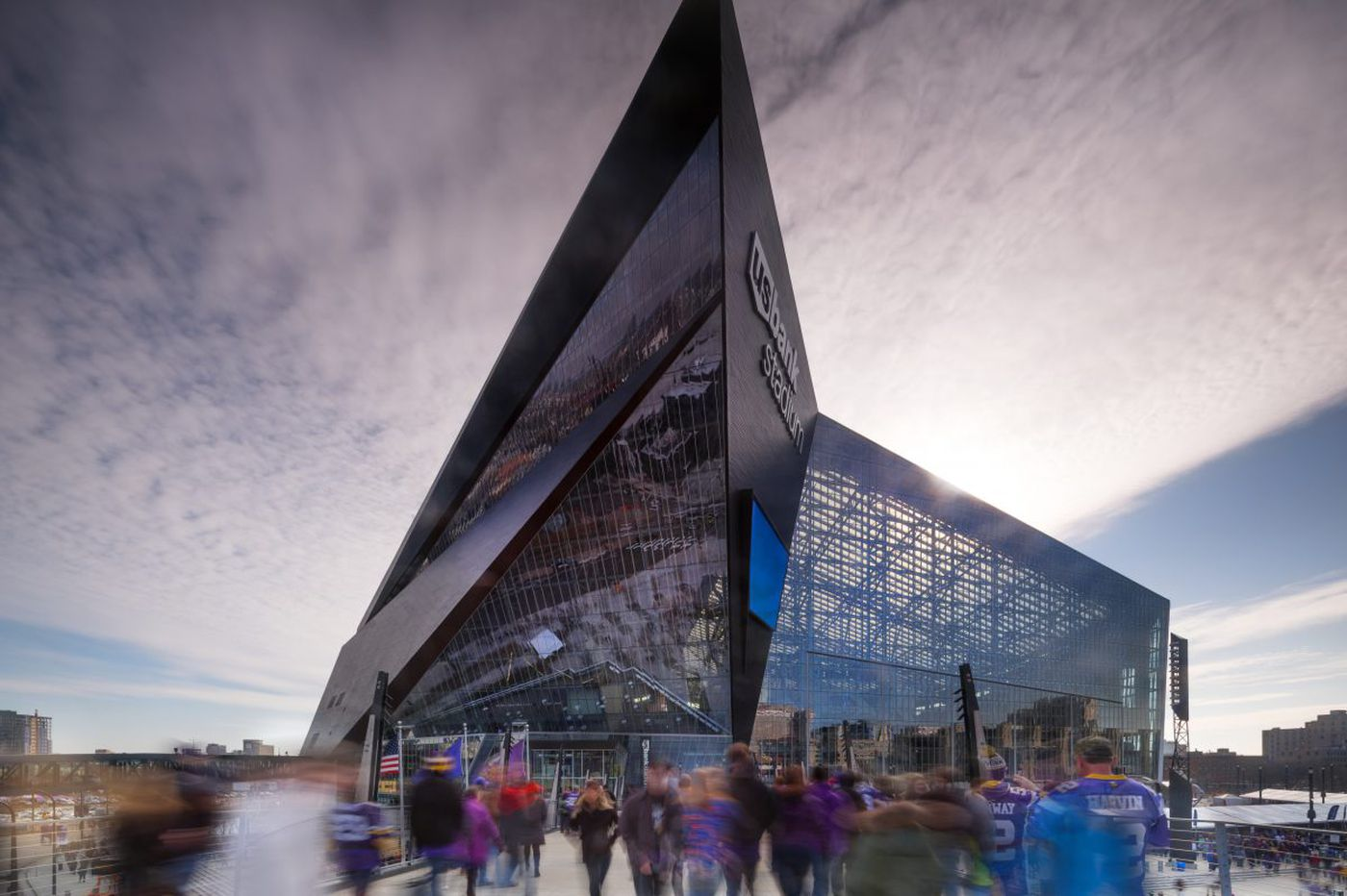 Eagles-Patriots Super Bowl venue is an otherworldly crystal palace